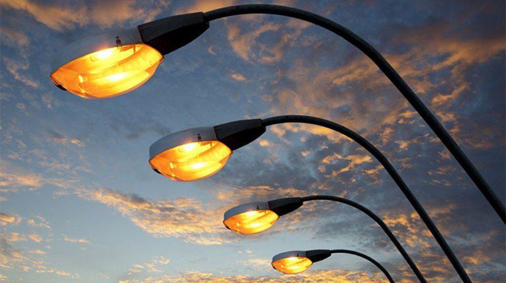 С 23 октября город Лозовая будет освещаться на два с половиной часа дольше